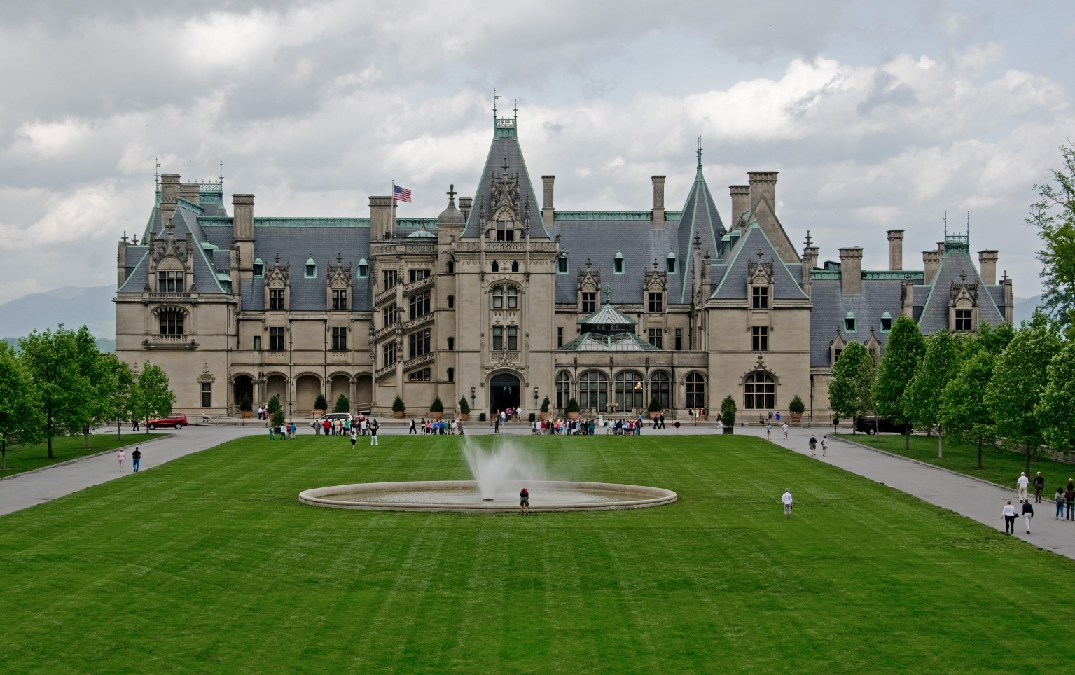 Ok i m impressed everywhere once for Is biltmore estate haunted