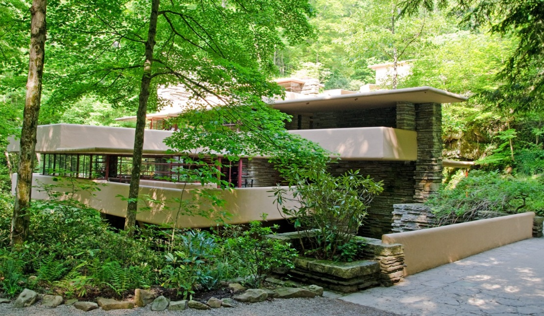 http://everywhereonce.files.wordpress.com/2011/07/fallingwater-first-impressions.jpg
