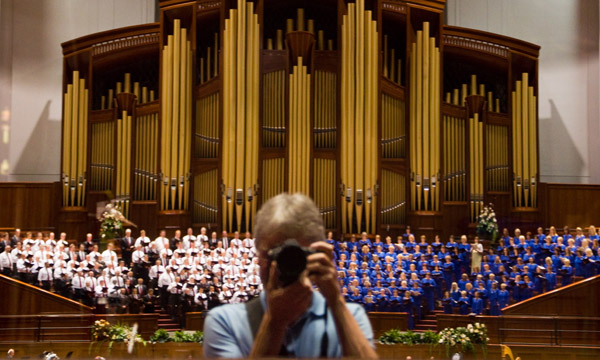 Mormon Tabernacle Choir Self Portrait
