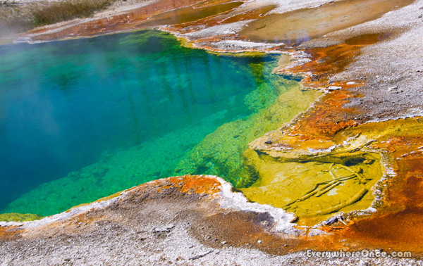 Yellowstone, Pool
