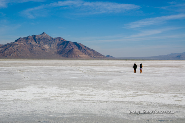 Bonneville Salt Flats Mountain Landscape Walking Utah