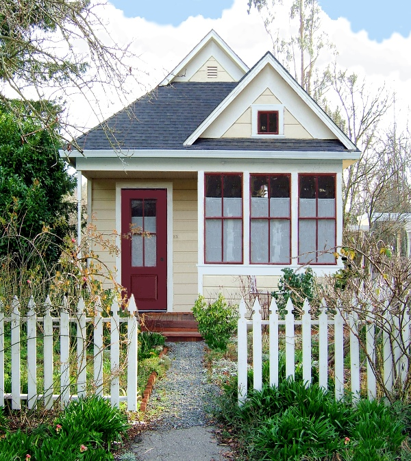 Tumbleweed's Harbringer cottage comes as a 310 sqf studio or 404 sqf one-bedroom.