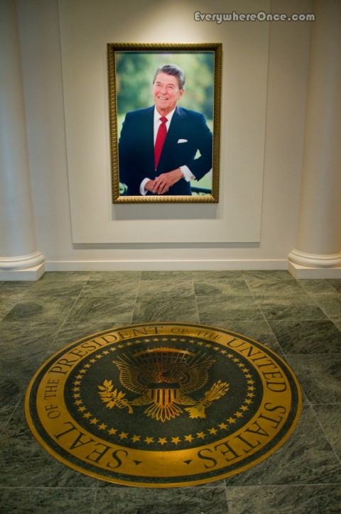 Ronald Reagan Library, Portrait and Presidential Seal