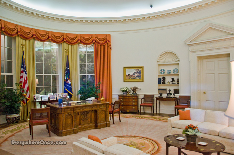 reagan oval office. Ronald Reagan Library Oval Office )