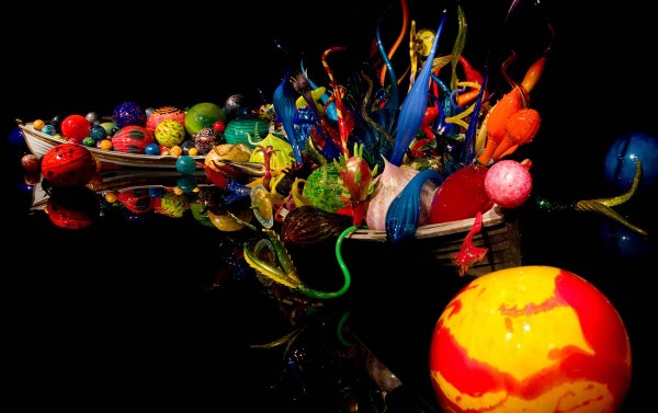 Chihuly's Ikebana and Float Boats