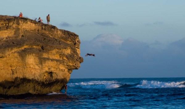Cliff Diving Shipwreck Beach, Kauai