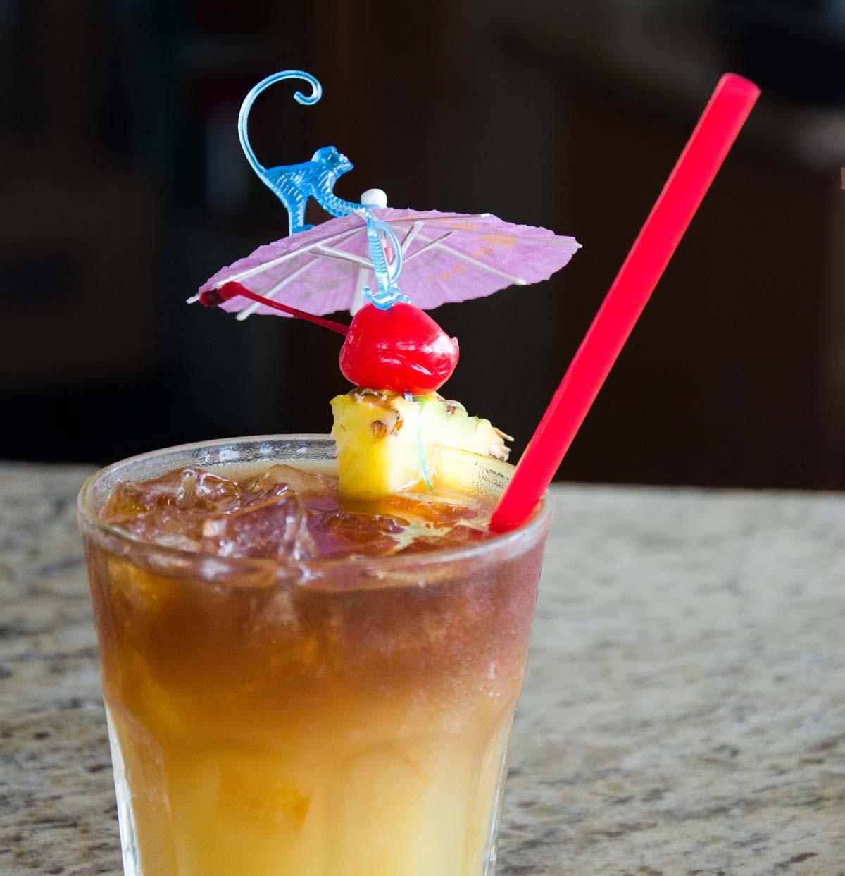 mai tai cocktail with umbrella - photo #21