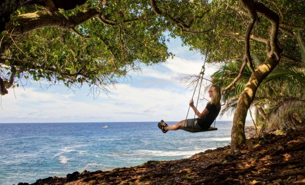 Hawaiian Seaside Swing