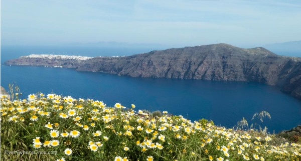 Hike from Thira to Oia on Santorini Greece